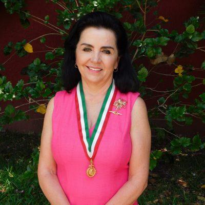 Dra. Adriana Ruiz Razura